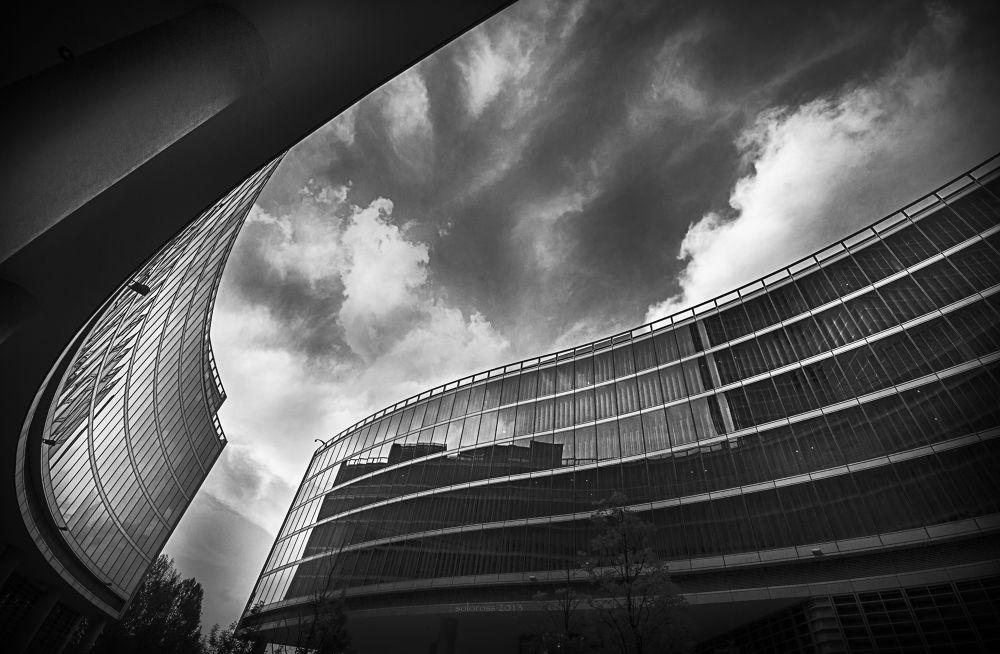 Photo in Black and White #italy #milan #city #black #white #building #glass #sky #clouds #reflex #day #città #nero #edificio #bianco #vetro #cielo #nuvole #riflesso #giorno #canon #luce #light