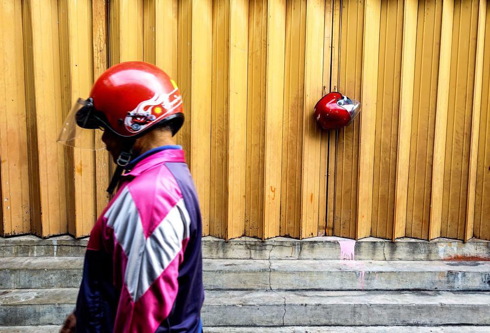 Photo in Street Photography #rhythmofsouls #streetmalaysia
