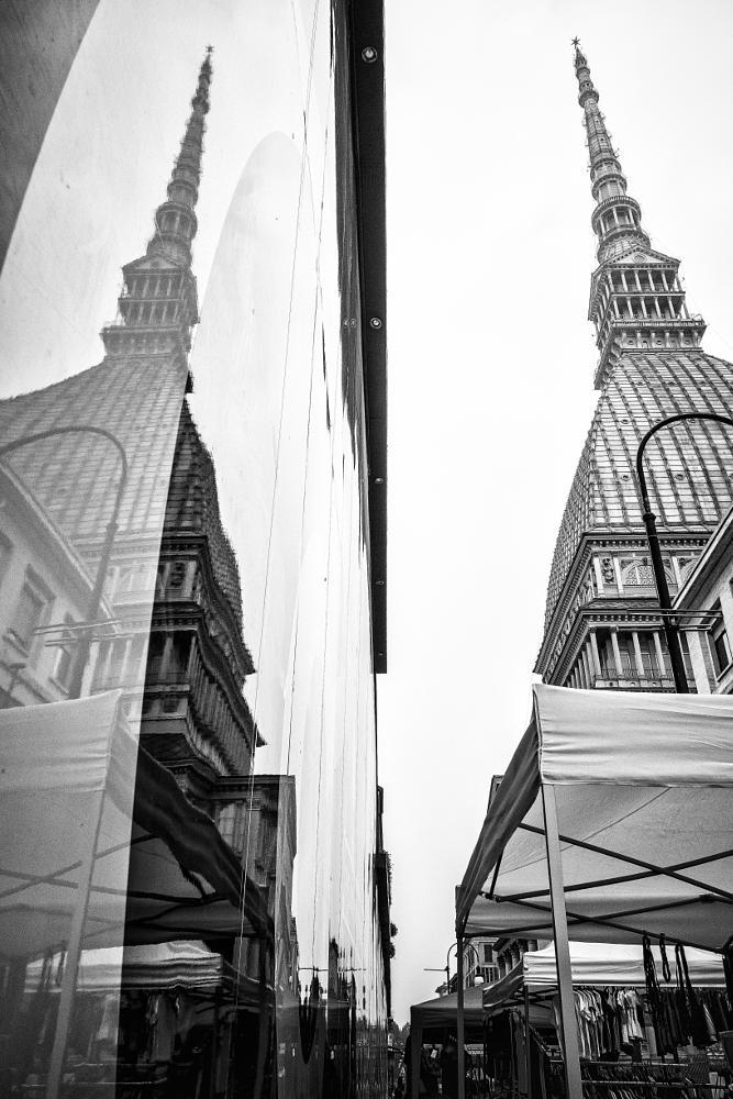 Photo in Architecture #bw #mole #antonelliana #torino #italia #street #people #riflesso #doppio #architecture #fuji
