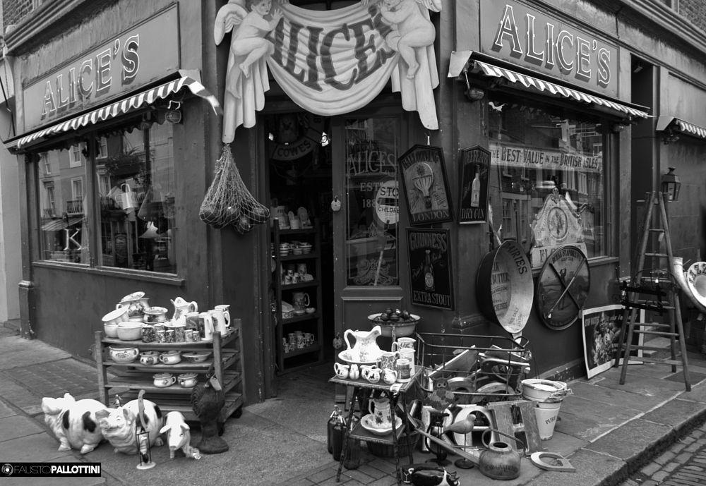 Photo in Black and White #london #cityscape #fine art #landscape #street photography #black and white #travel #urban #pallottini #lyson #nikon