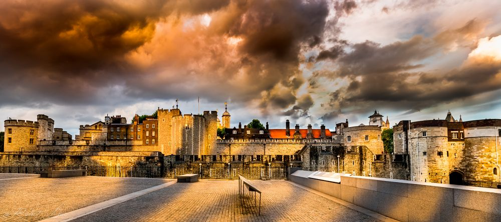 Photo in Cityscape #london #evening #dusk #castle #westminster #sunset #uk