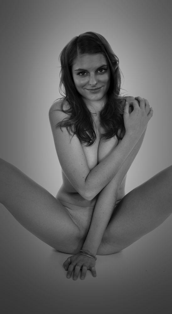 Photo in Nude #nude #woman #nude woman #undressed #studio