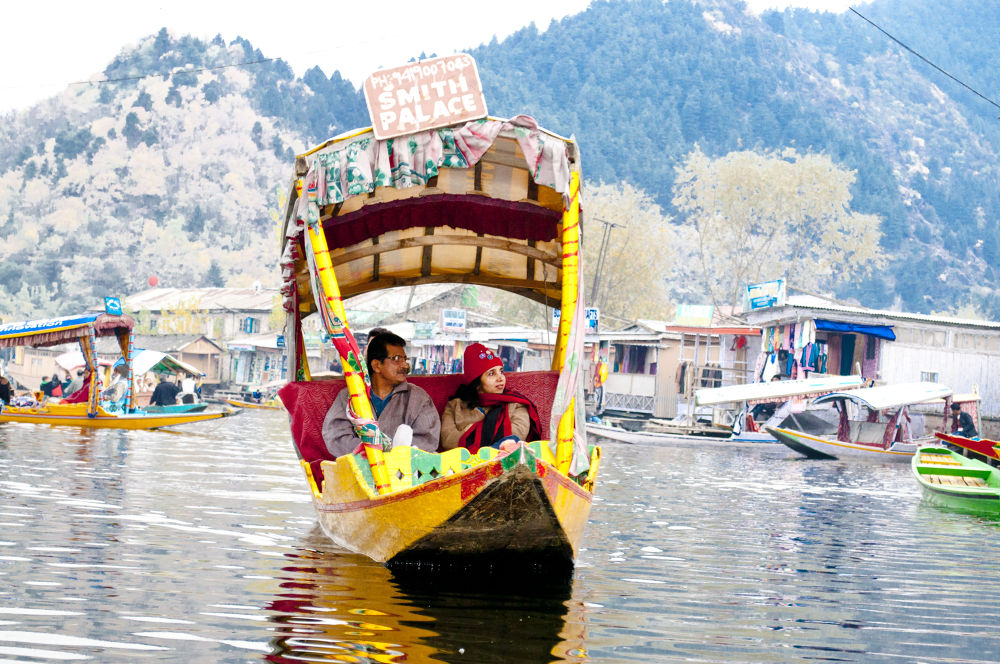Photo in Random #boat #people #romance #lakes #candid photography