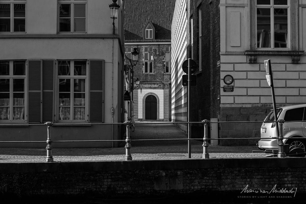 Photo in Cityscape #ancient #tradition #entrance #gracht