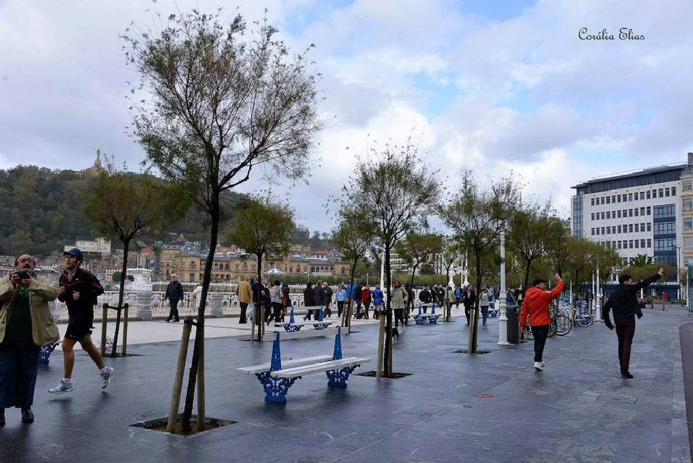 Photo in Urban #praça #gente #passeio