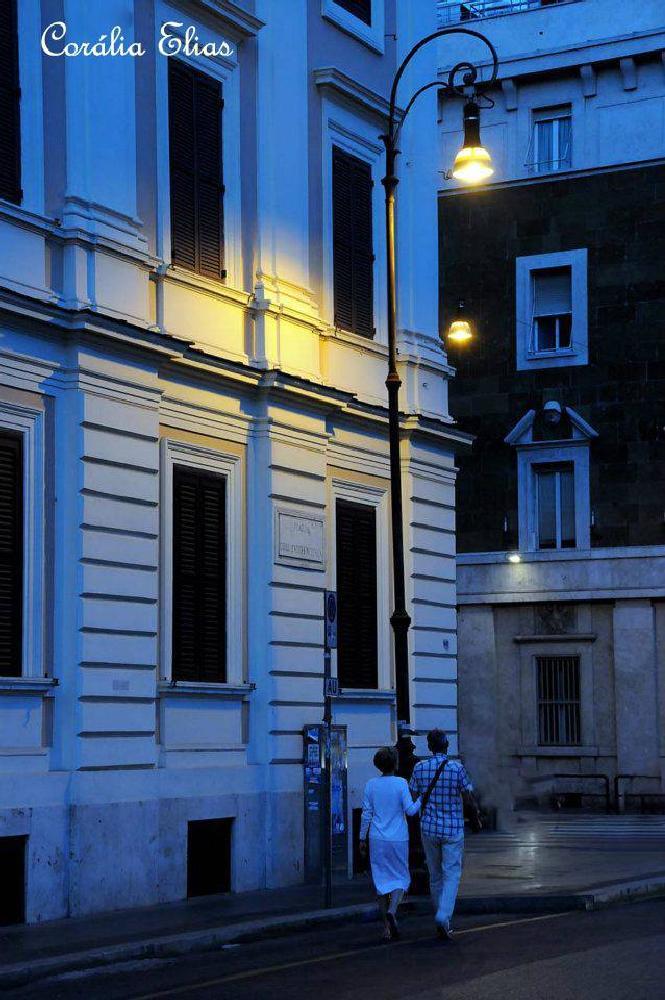 Photo in Urban #noite. #rua. #casal