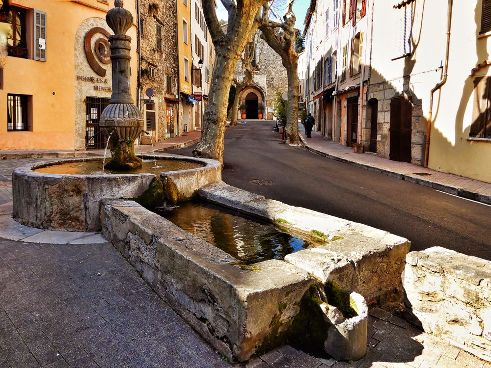 Photo in Street Photography #cityscape #street photography #architecture #vintage #fountain #reflection #picturesque #provence