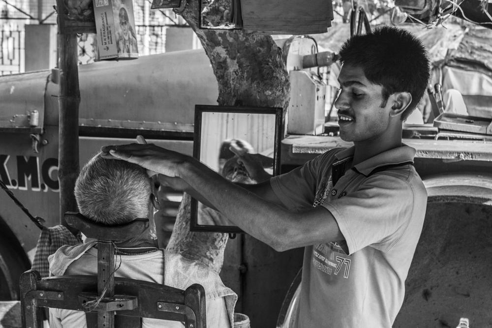 Photo in Street Photography #street #barber #shop #kolkata