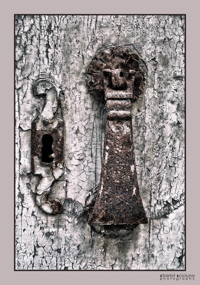Photo in Street Photography #vintage #knob #door #old #antique #city #architecture #cityscape #heritage #travel #urban