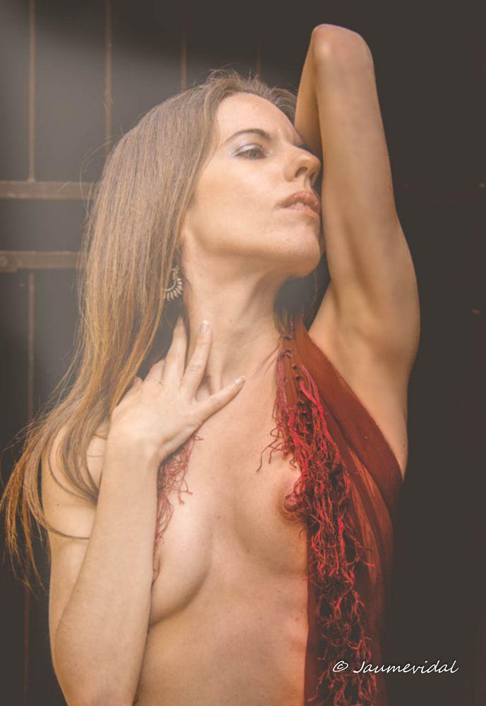 Photo in Nude #nude #model #efect #beam #light #vanesa