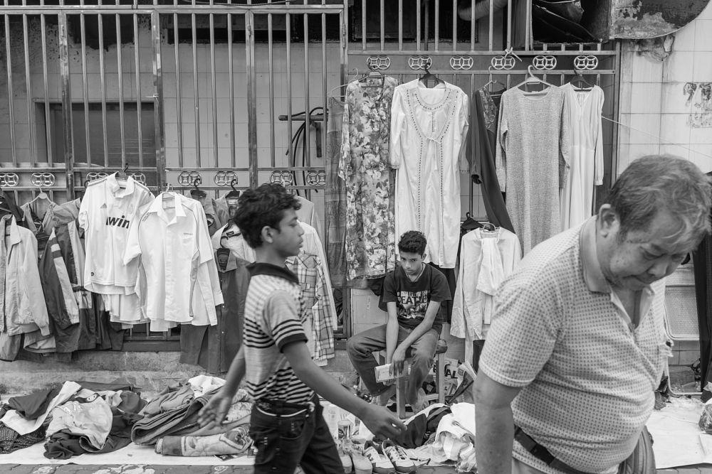 Photo in Street Photography #street photography #street life #daily life #people #black and white #mundane #a slice of life #china town #flea market #petaling street #kuala lumpur #malaysia #asia #fujifilm x100s #bundle #mahfuz jaffar #youpicmalaysia