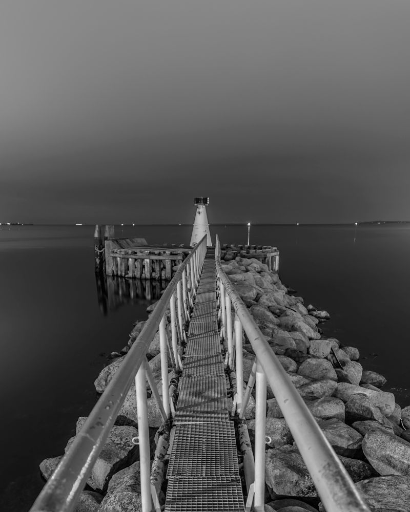 Photo in Black and White #long exposure #outdoor #light #reflection