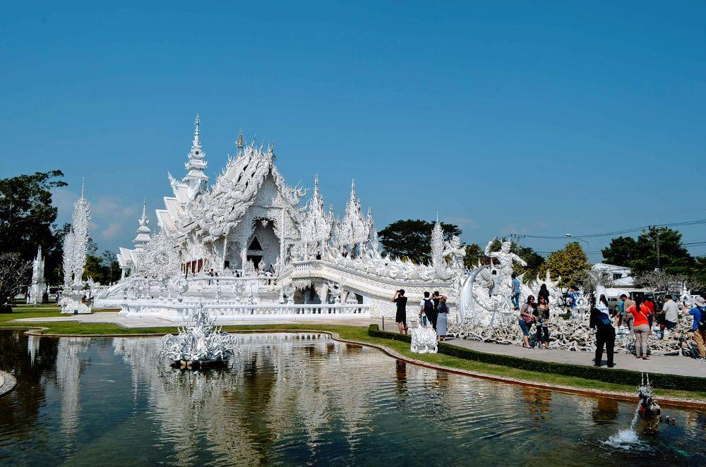 Photo in Architecture #tailândia #templo budista #hiduísta #religiao #templo #chiang rai