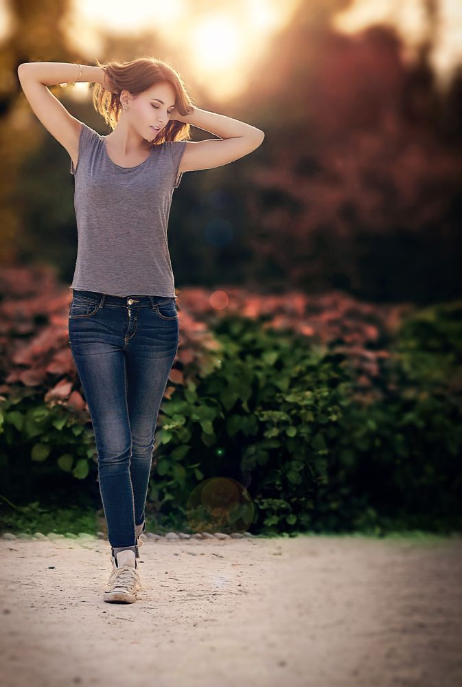 Photo in Portrait #hair #shine #sun #sunset #summer #milan #italy #model #girl #young #woman #fashion #beauty #canon #portrait #green #people