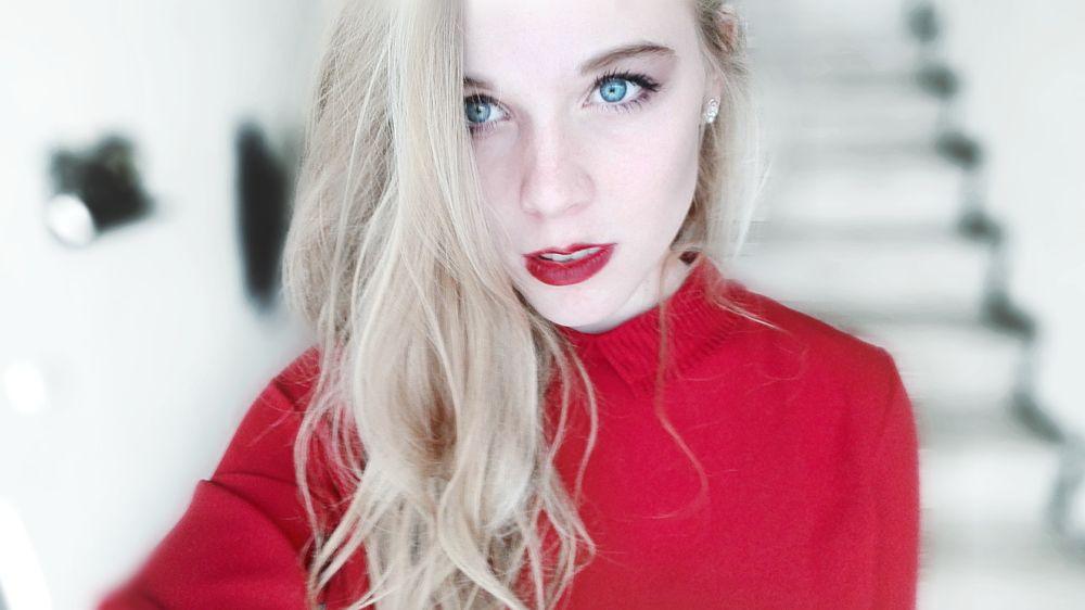 Photo in Portrait #red #redlips #girl #woman #portrait