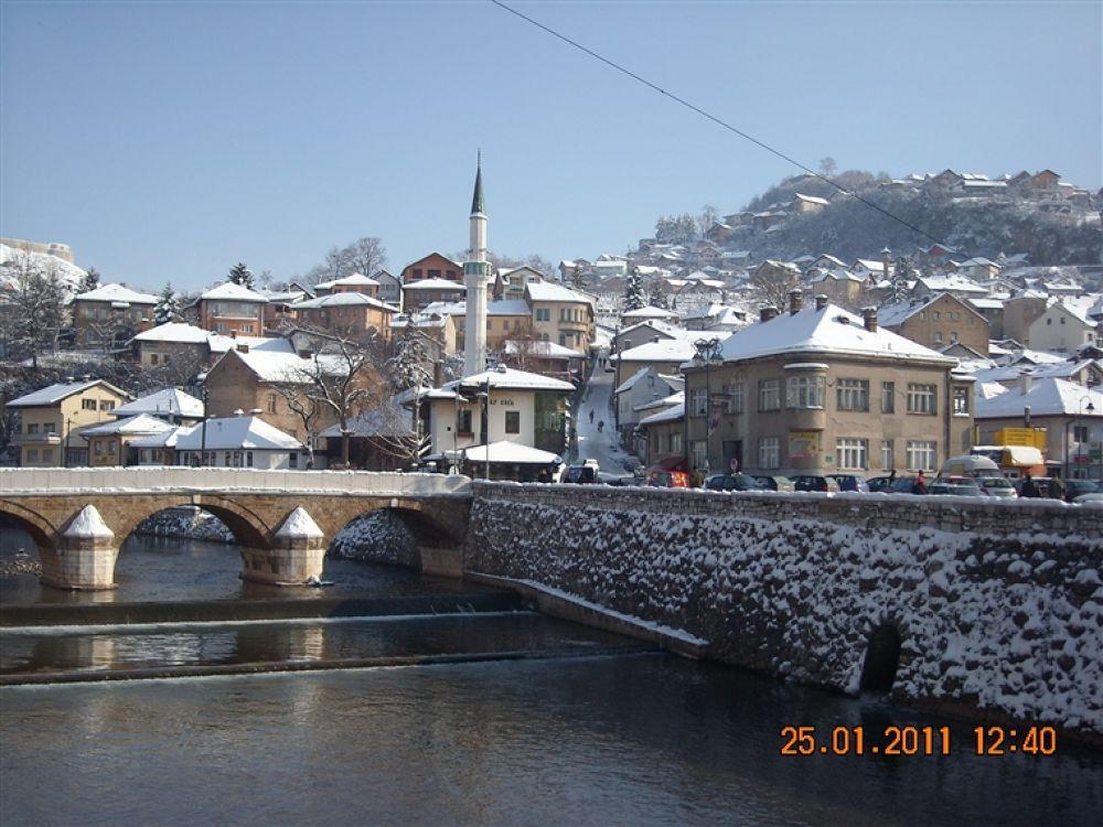 Photo in Random #- #alifakovac #inat #kuca #(spite #house)