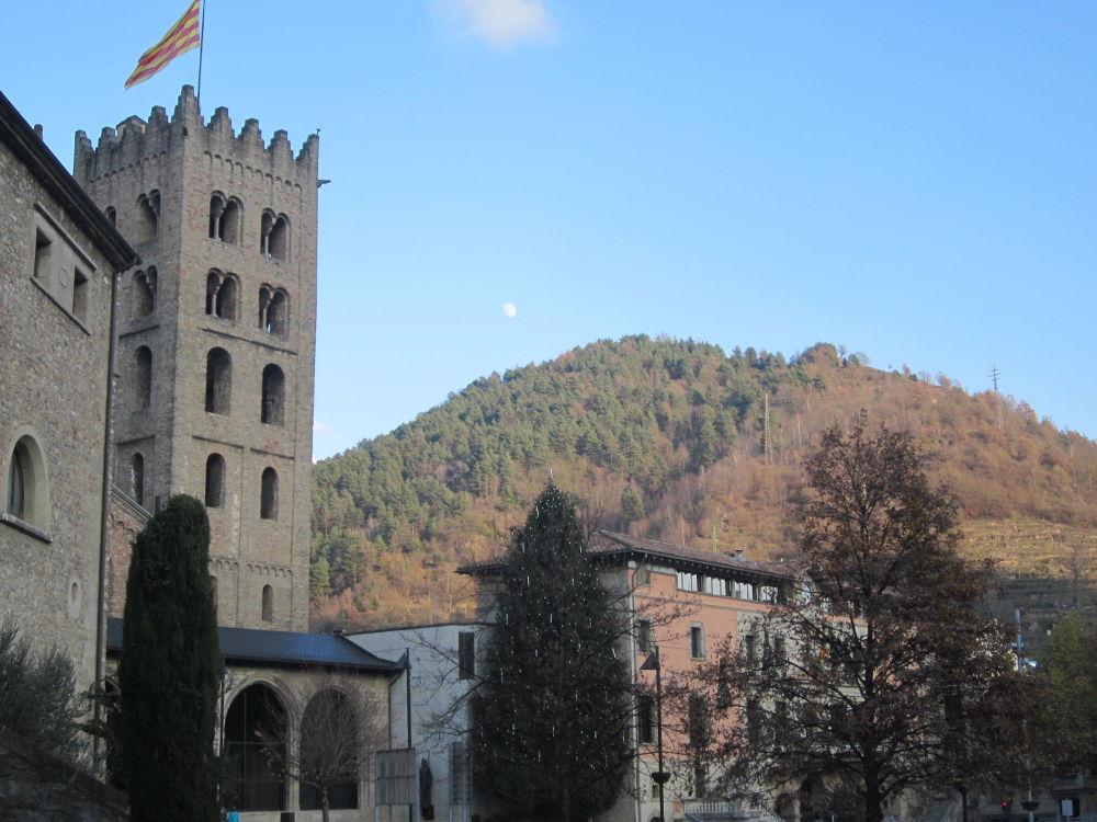 Photo in Landscape #ripoll #pyrenees #pirineos #landscape #montaña #mountain #luna #moon #polidas chamineras #girona #gerona #cataluña #catalonia #spain #españa