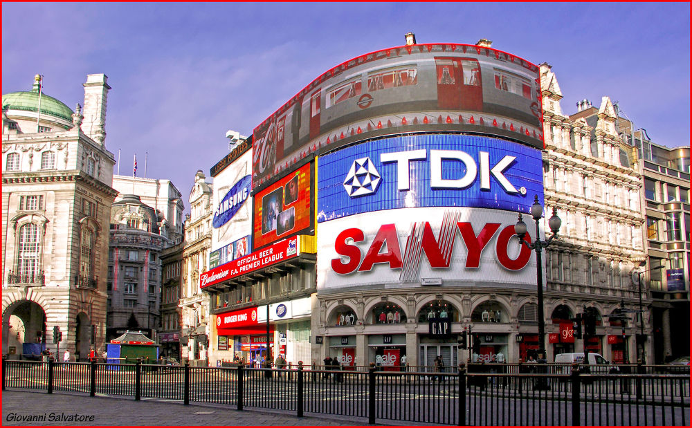 Photo in Random #london #uk #piccadilly #piccadilly circus