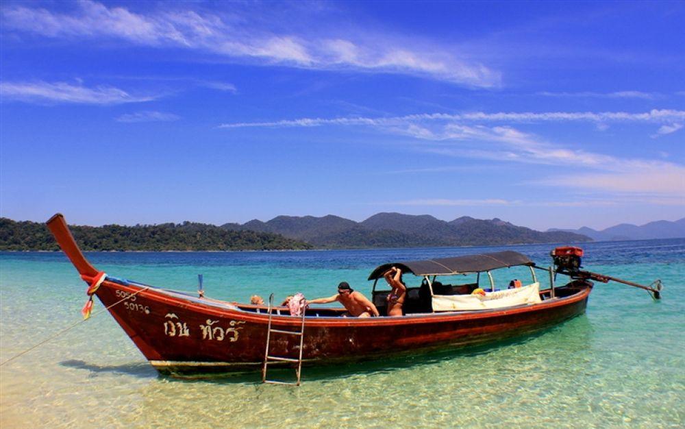 Photo in Random #long #boat