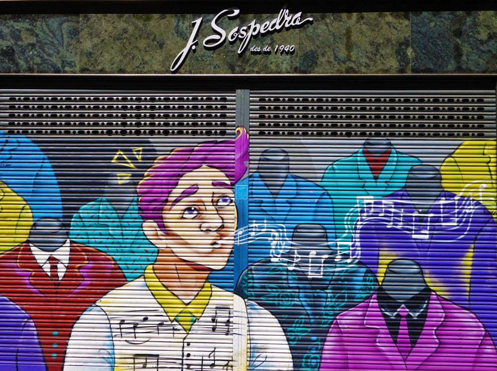 Photo in Street Photography #catalunya #barcelona #botiga #pintura
