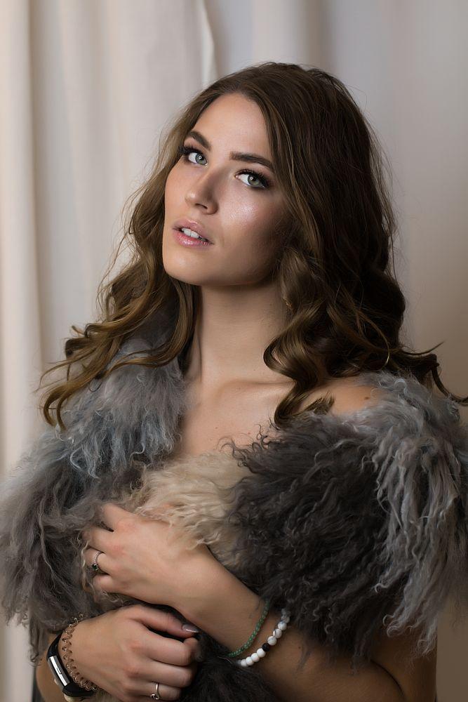 Photo in Random #model #cannon #people #fashion #editorial #makeup #greeneyes #eyes #fur