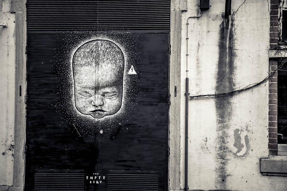 Photo in Street Photography #lisboa #lisbonne #graff #tag #baby #street art #europe #wall #portugal