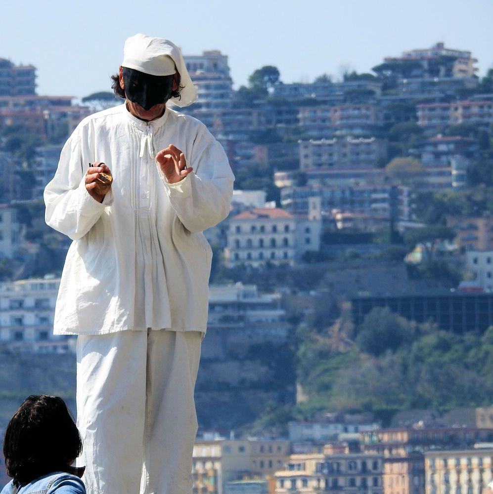Photo in Street Photography #neapolitan mask #mask #masquerade #arnaldo de lisio #pulcinella #punchinello #punch #italian mask #maschera #teatro delle maschere