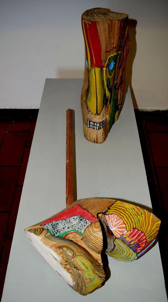 Photo in Fine Art #vienuxian #scolpendo disegnando #artereclusa/liberaarte #maschio angioino #naples #gattablu #scampia #contemporary art #extraterrestre #venusiano #arnaldo de lisio #sculpture #scultura #scultura in legno #wooden sculpture