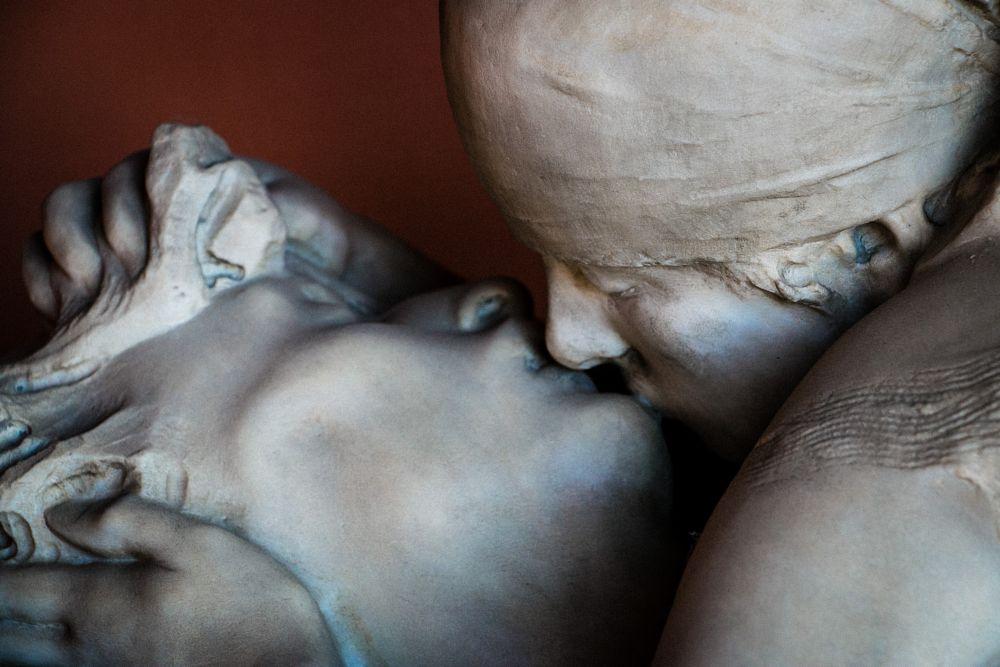 Photo in Random #kiss #cemetary #cimitero monumentale #milano #milan #graves