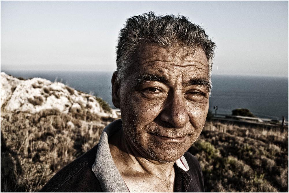 Photo in Portrait #italian #pugnochiuso #portrait #nikon #d3000 #vizzani #matteo #pentaxk10d #pentax k10
