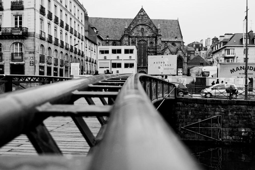Photo in Black and White #n&b #b&w #noir et blanc #black & white #city #street #cityscape #géométrie #24mm #ville