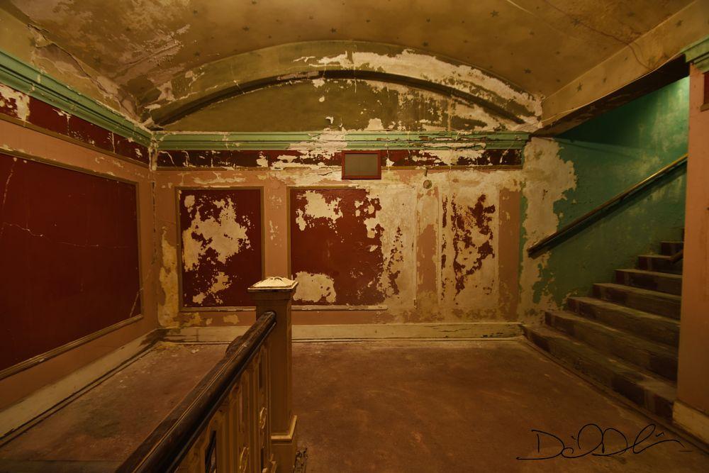 Photo in Interior #jayhawk theatre #urban exploration #topeka kansas #kansas