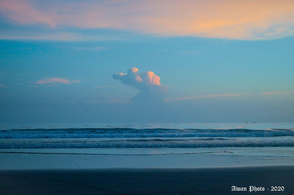 Photo in Random #color #sky #ocean #sea #beach #photography #photo #foto #blue