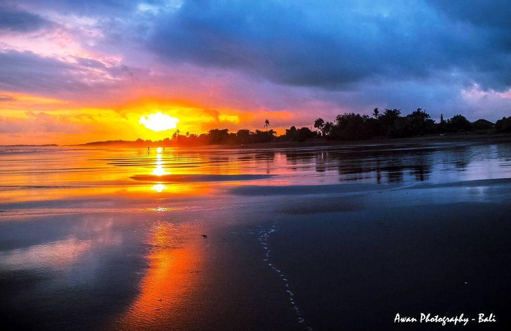Photo in Random #sunset #color #beach #blacksand #youpic #photography #photo #nature #sun #seascape