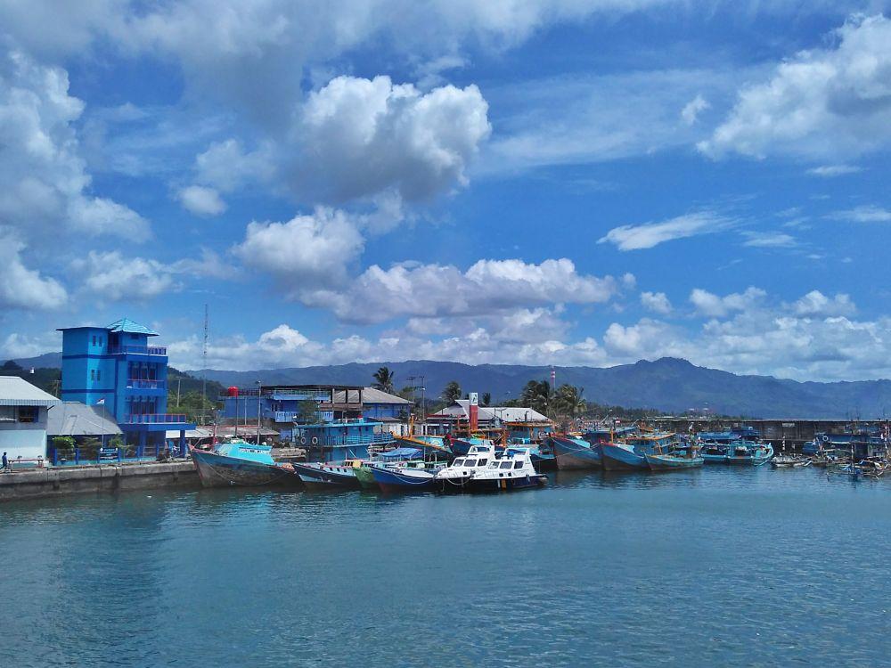 Photo in Random #seascape #harbour #bluesky #boat #nature #cloudly