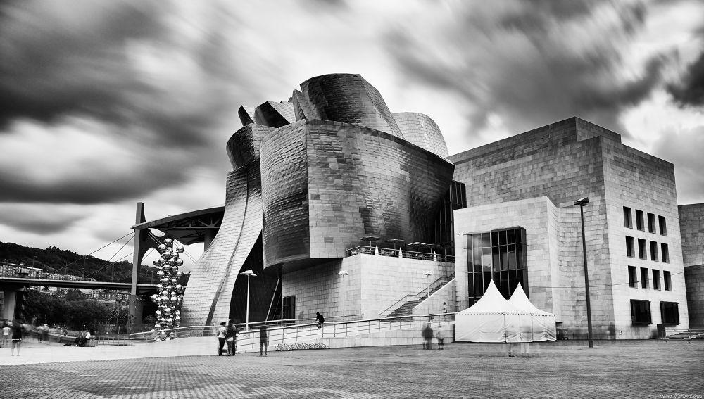 Photo in Random #bilbao bilbo black and white #bilbao #bilbo #black and white #clouds #blanco y negro #guggenheim #larga exposicion #long exposure #museo #museum #nd #nubes #pais vasco #city #ciudad #cityscape