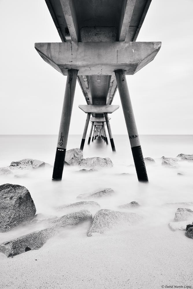 Photo in Landscape #davidmartinlopez #agua #arena #beach #blanco y negro #black and white #bridge #puente #heliopan #larga exposicion #long exposure #nd #oil #petroleo #piedras #playa #rocks #sand #stones #water #silk #seda #landscape #seascape #paisaje