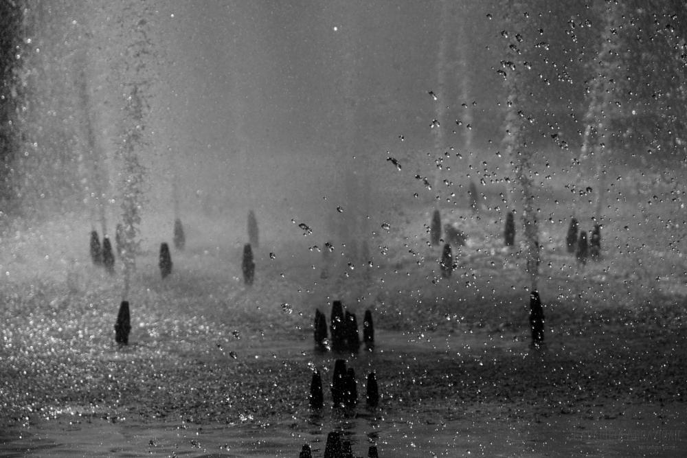 Photo in Abstract #fountain #drops #water #deepness #kapapuka