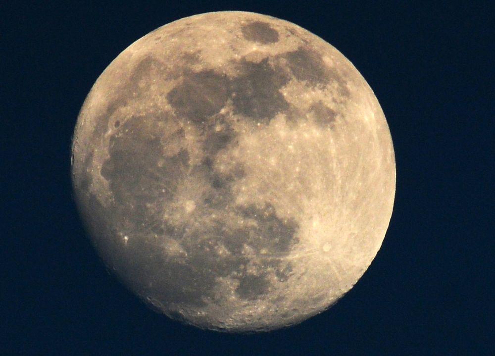Photo in Nature #moon #luna #lunapiena #gennaio #eclipse #fullmoon #sicily #nature