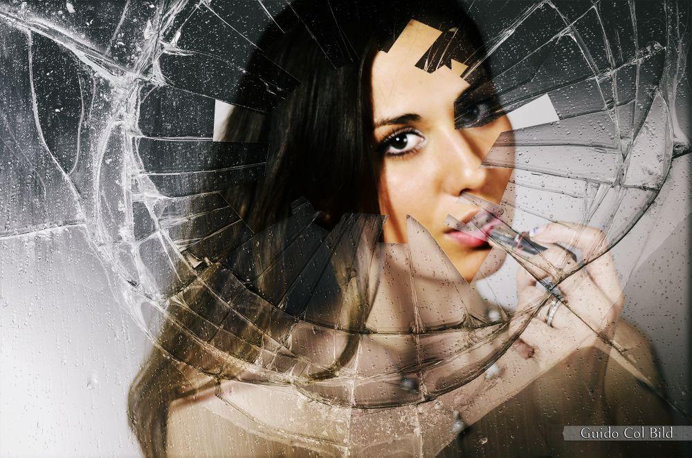 Photo in Portrait #girl #mirror #broken #picoftheday #beautiful #italy