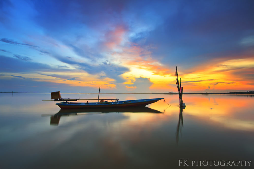 Photo in Landscape #landscape #water #lake #ocean #boat #sunrise #sunset #background #beautiful #morning #reflection #light #colour #sky