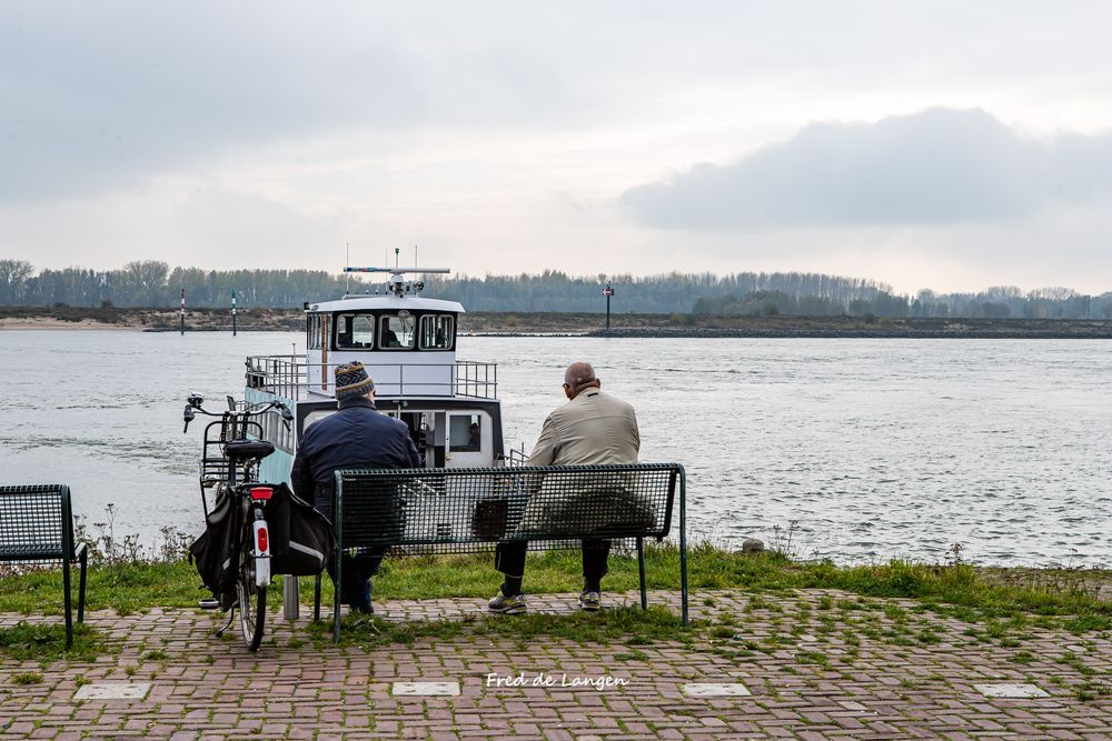 Photo in Random #steden-stadjes en dorpen #tiel #waal #river #boat #olderpeople