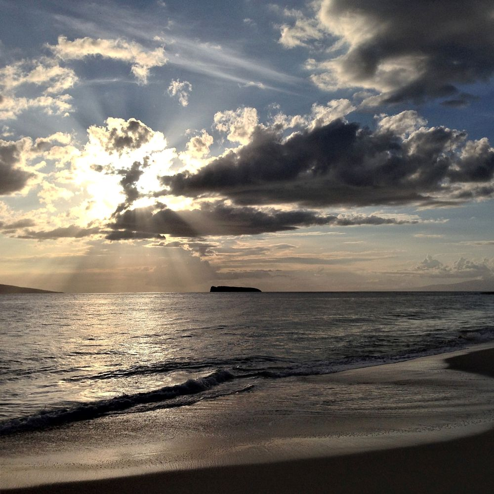 Photo in Random #mauï #maui #hawaii #sunset #canon #nikon #photography #tripod #aperture #likes #like #america #az #arizona #state #fancy #fair #logo #water #sand #beach #summer #marriage #love #sweet #forevermore #forever