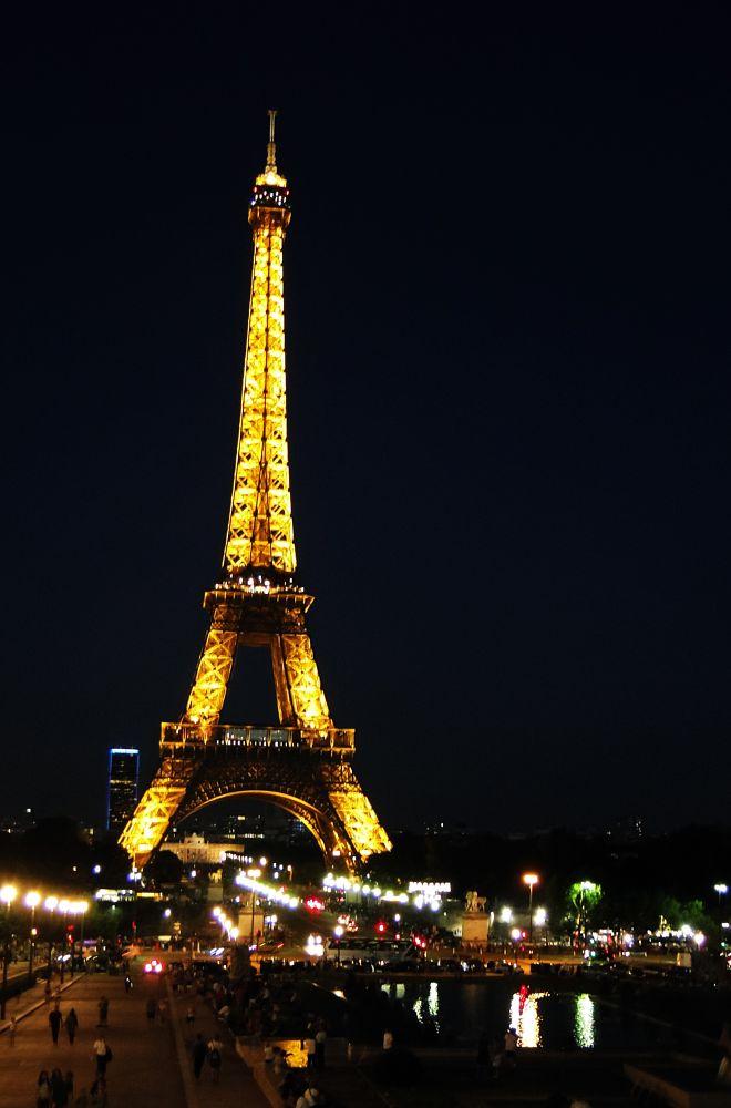Photo in Random #torre eiffel #parís #francia #noche #night #hija #patricio cabezas #sony