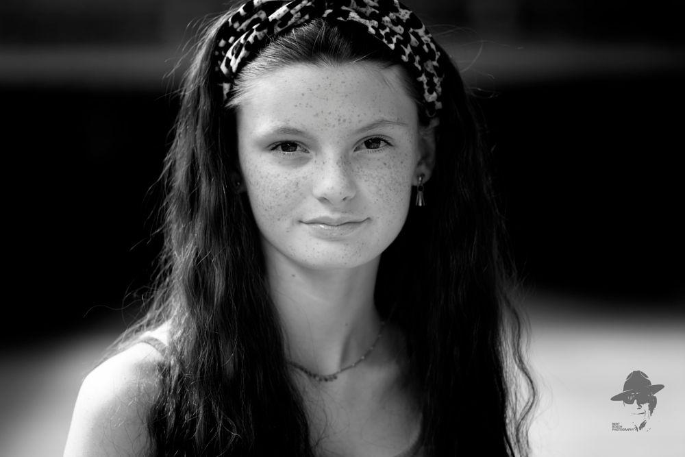 Photo in Portrait #straatgezichten #girl #womam #bertboschphotography #blackandwhite
