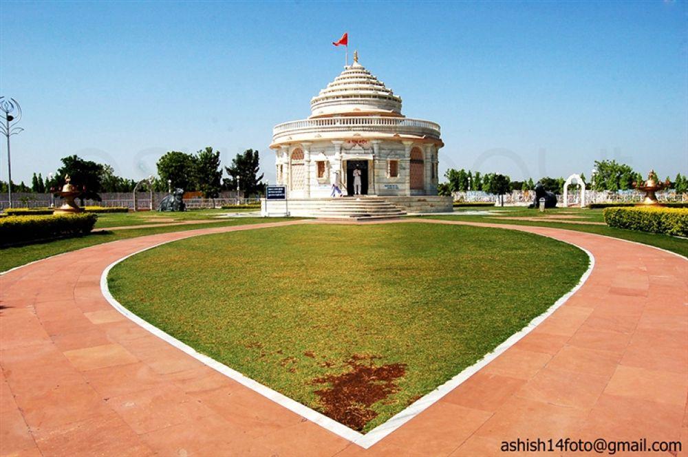 Photo in Random #temple #lord #shiva #anandsagar #shegaon