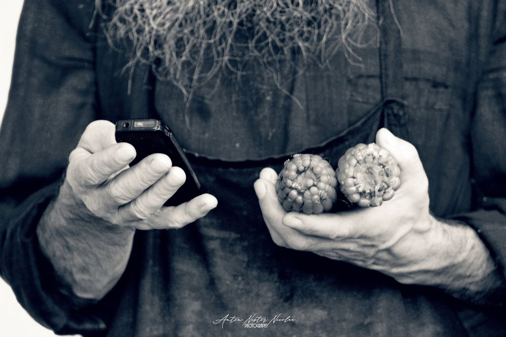 Photo in Black and White #life #hands #story #phone #mobile #corn #maize #street #street photography #black and white
