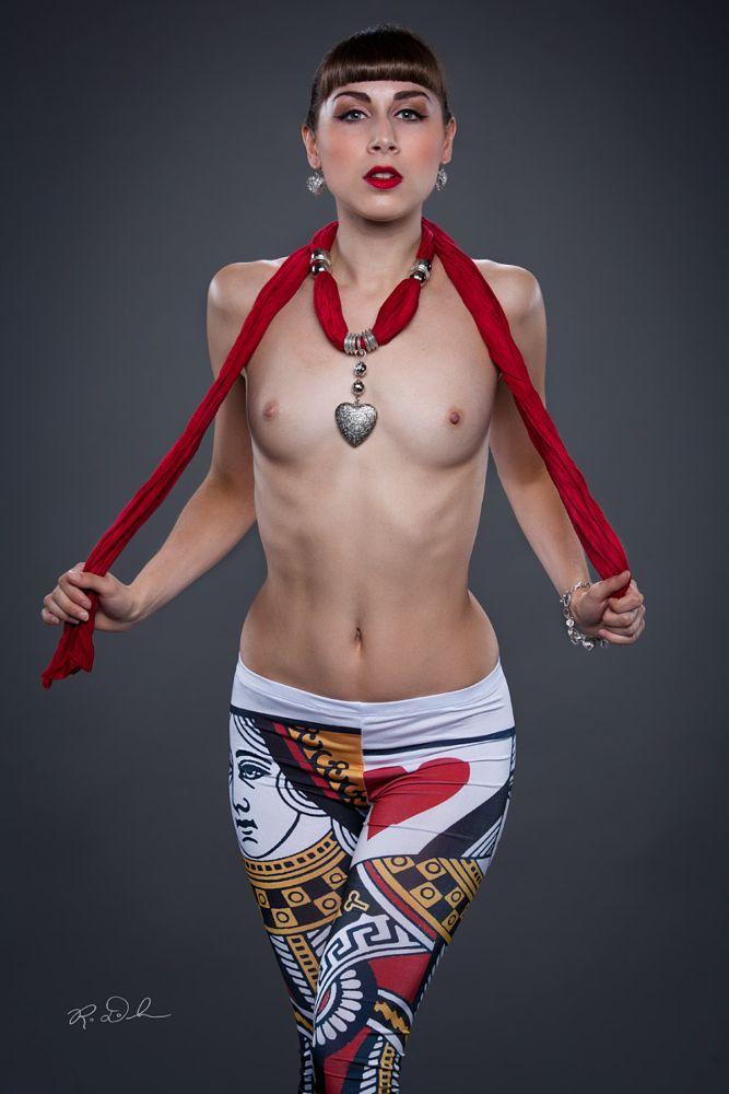 Photo in Nude #nude #heart #queen of hearts #floofie