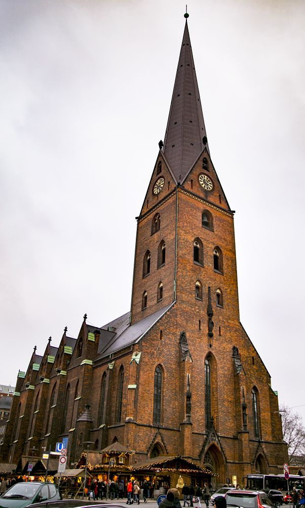 Photo in Architecture #ff #canon #eos6d #church #january #hamburg