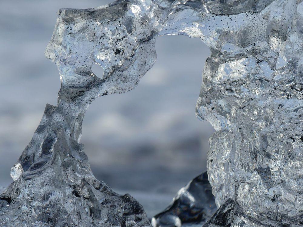 Photo in Random #ice #iceland #beautiful #dof #sand #black #clear #water